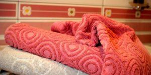 المناشف في حمام