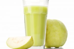 طريقة عمل عصير الجوافة بالزبادى في المنزل