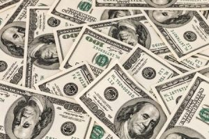 """استقرار بسعر الدولار.. و""""كريدي أجريكول"""" يسجل أعلى سعر شرائي له"""