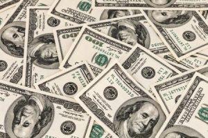 ارتفاع مفاجئ في سعر الدولار أمام الجنيه بالبنوك