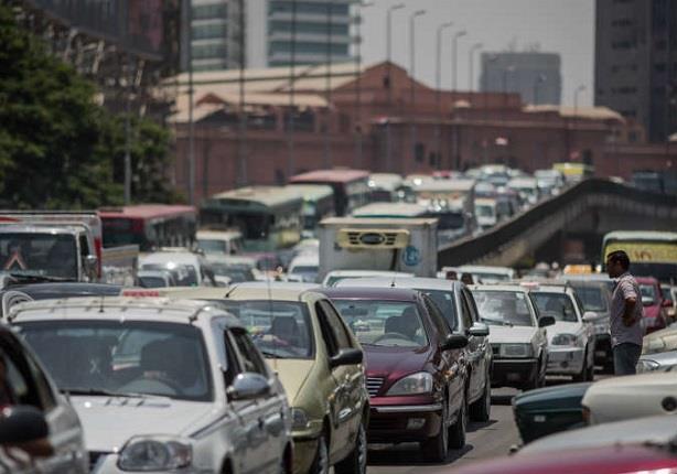 النشرة المرورية:كثافة في شوارع مصر وزحام بالمعادي بعد غلق نفق الزهراء