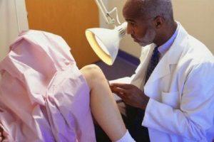 """منظمة الصحة العالمية: لا أساس علمي أو طبي لاختبار العذرية أو مايسمي بـ """"اختبار الإصبعين"""""""